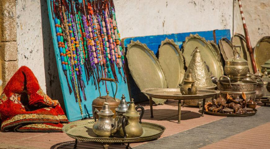 Teeutensilien auf dem Souk von Essaouira